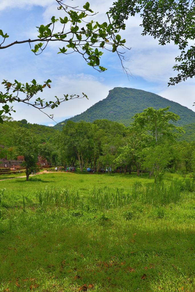 ミーソン遺跡から見える聖なる山
