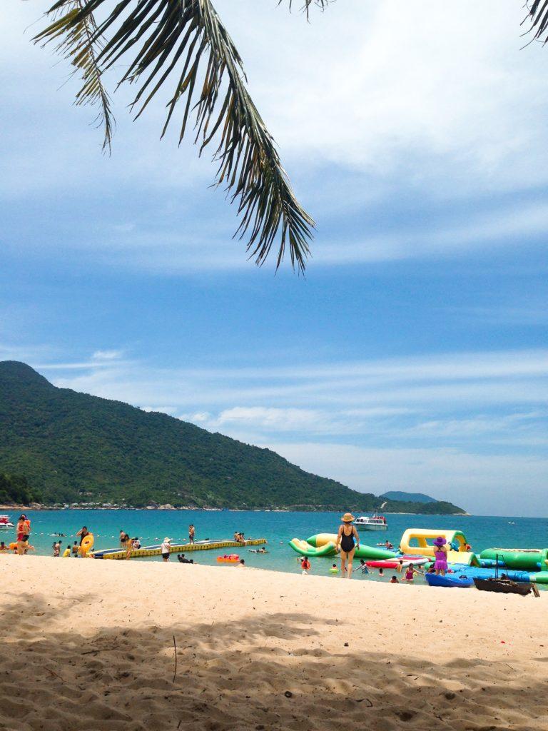 ベトナムチャム島のビーチ