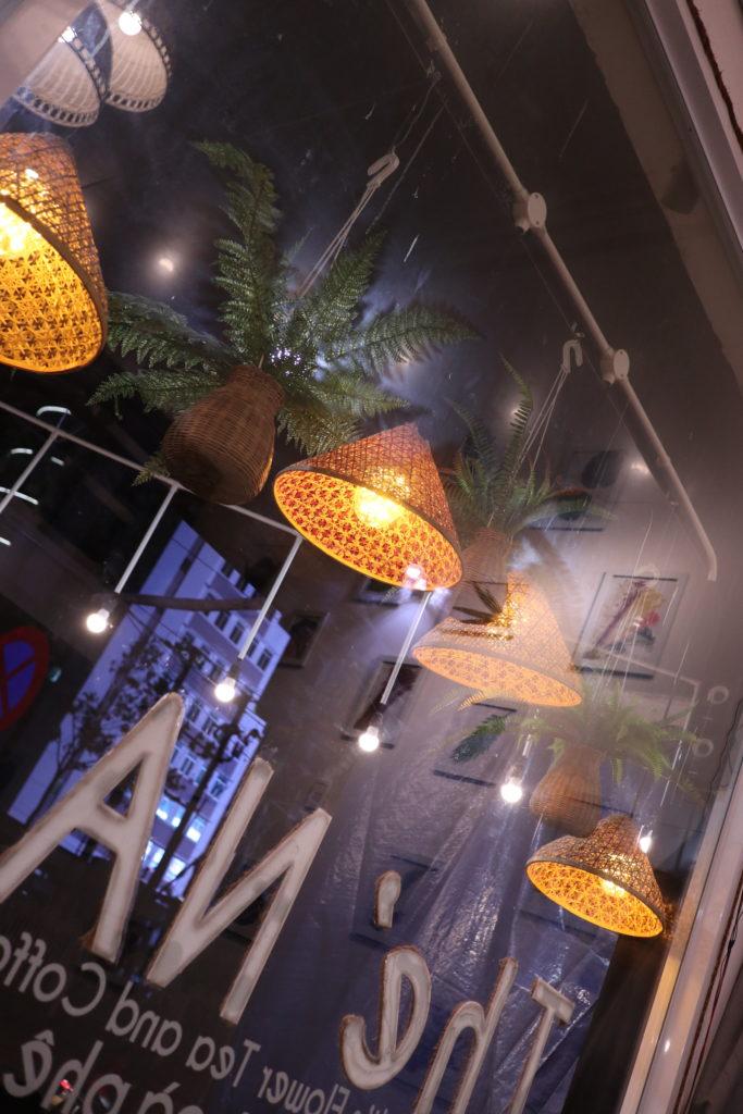 ダナンのカフェ、TheNaティーハウスでハーブティー