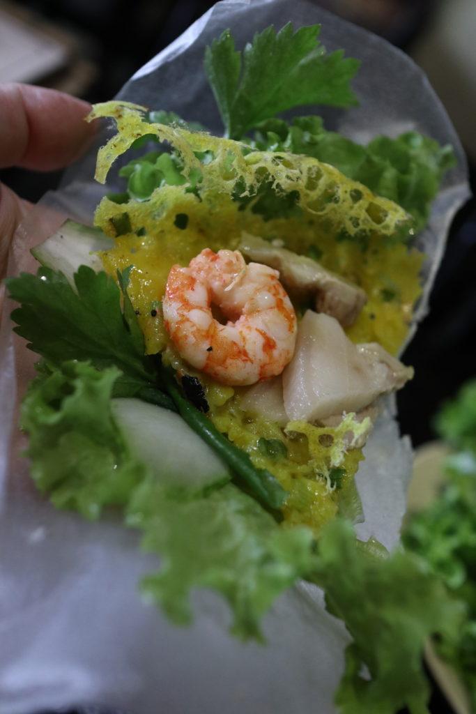ベトナムのお好み焼き、バインセオ