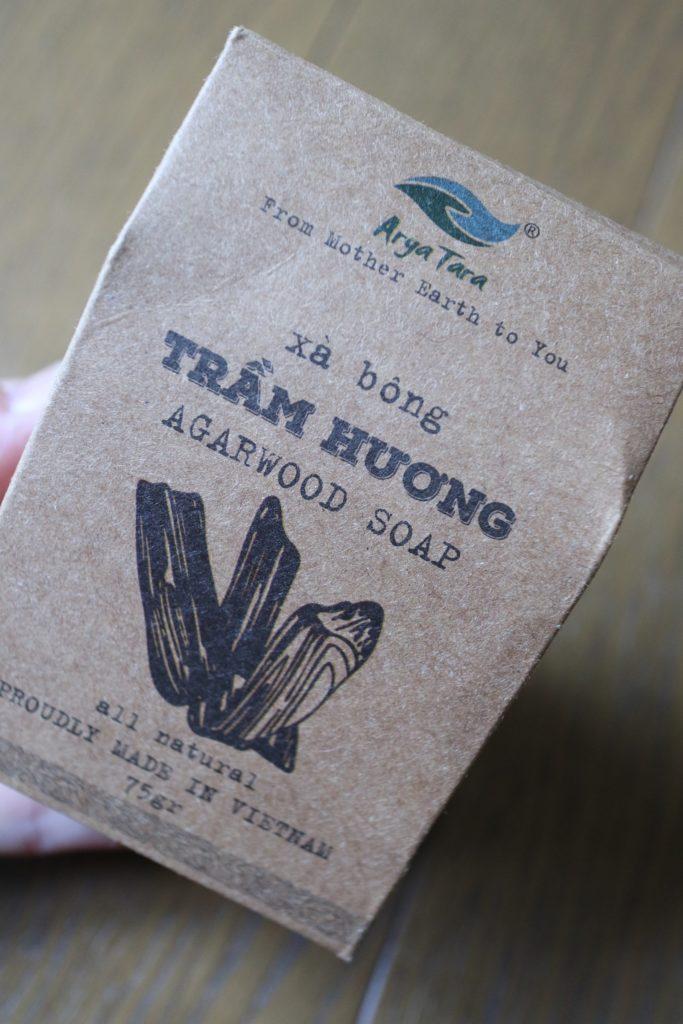 ベトナムのオーガニックコスメショップAryaTaraのアガーウッドのアロマ石鹸